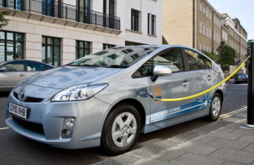 How Hybrid And Electric Vehicles Differ